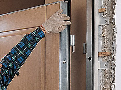 установка металлических дверей без демонтажа